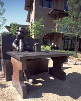 sculpture of Beetle Bailey