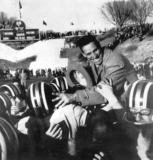 http://muarchives.missouri.edu/images/exh_football/faurot1957.jpg